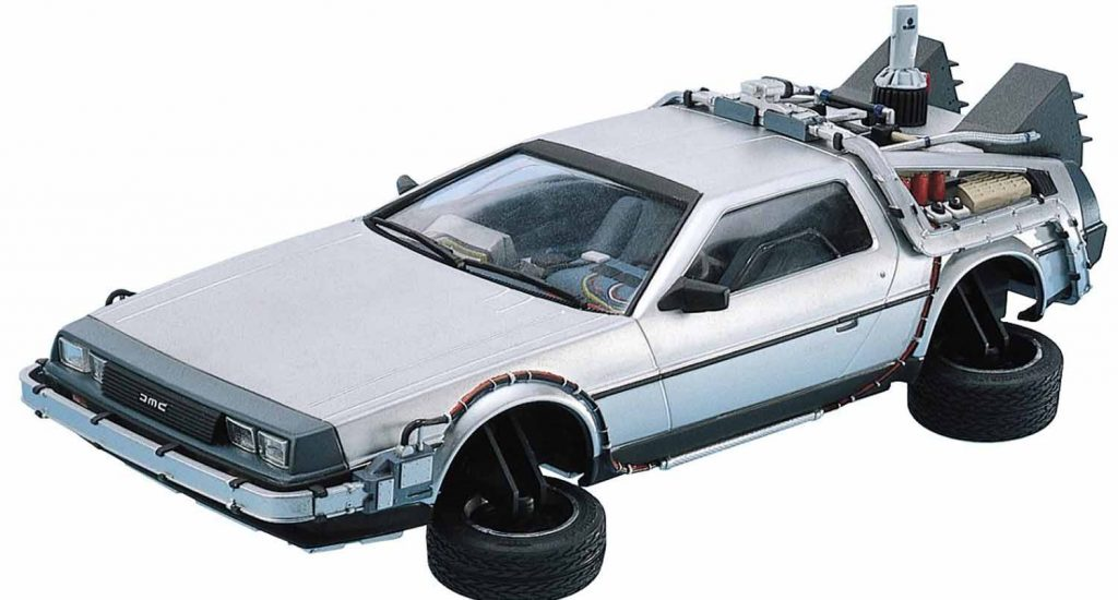 maqueta del delorean de regreso al futuro 2